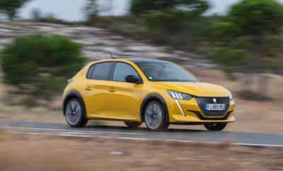 """Τα λιοντάρια της Peugeot επιστρέφουν δυναμικά στην έκθεση """"Αυτοκίνηση ANYTIME 2019"""" στο περίπτερο της γαλλικής μάρκας. Το νέο πολυαναμενόμενο μοντέλο της μάρκας, Peugeot 208 θα κάνει την πανελλαδική του πρεμιέρα στο Ολυμπιακό Ακίνητο Ξιφασκίας και θα παρουσιαστεί τόσο με θερμικούς κινητήρες, όσο και στην αμιγώς ηλεκτροκίνητη έκδοσή του. Επίσης, το ντεμπούτο του θα κάνει και το δημοφιλές SUV 3008 στην τετρακίνητη έκδοση του HYBRID4, το οποίο επιβεβαιώνει τη στρατηγική «Power of Choice», δηλαδή τη δύναμη της επιλογής κινητήρων που προσφέρει η Peugeot, βάσει των νέων προδιαγραφών χαμηλών εκπομπών CO2. Τέλος, στο περίπτερο της Peugeot θα βρίσκονται τα μοντέλα 108, 308, 5008 αλλά και η ριζοσπαστική σπορ μπερλίνα, Peugeot 508. Νέο Peugeot 208 Το νέο Peugeot 208 το οποίο θα λανσαριστεί τις επόμενες ημέρες στην Ελλάδα θα αποτελέσει ένα από τα highlights που θα λάμψουν το Νοέμβριο στην έκθεση «Αυτοκίνηση Anytime 2019». Η νέα γενιά του 208 συνάδει απόλυτα με τη στρατηγική μετακίνησης της Peugeot στο premium κομμάτι της αγοράς και ξεχωρίζει με την πρώτη ματιά από το τολμηρό design και τον αέρα νεότητας και ενέργειας που αναδίδει. Πέρα από το πρωτότυπο και ξεχωριστό στυλ του, το νέο PEUGEOT 208 καινοτομεί με το νέας γενιάς PEUGEOT i-Cockpit©, το οποίο περιλαμβάνει ψηφιακό πίνακα οργάνων 3D καθώς και πληθώρα συστημάτων υποβοήθησης οδήγησης καθώς και συστημάτων ασφαλείας που συναντά κανείς σε μοντέλα μεγαλύτερων κατηγοριών. Νέο Peugeot e-208 Το νέο αμιγώς ηλεκτρικό Peugeot e-208 θα δηλώσει το «παρών» επιβεβαιώνοντας την στρατηγική της Peugeot """"Power of Choice"""" δηλαδή τη δύναμη της επιλογής που προσφέρει η γαλλική μάρκα στους πελάτες της. Οι διαθέσιμοι χώροι της καμπίνας και του πορτμπαγκάζ στο νέο e-208 είναι πανομοιότυποι με την έκδοση με θερμικό κινητήρα. Εξοπλίζεται δε με μια μεγάλης χωρητικότητας μπαταρία 50kWh, η οποία εξασφαλίζει στο αυτοκίνητο αυτονομία έως και 450km (σύμφωνα με το πρότυπο δοκιμών NEDC II) και 340χλμ. (σύμφωνα με το πρότυπο δοκιμών WLTP). Peugeot 3008 HYBR"""