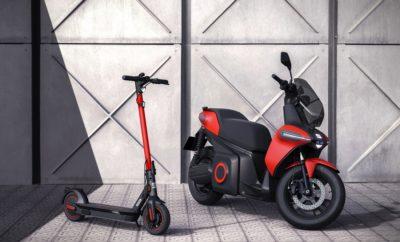 Η επιχειρηματική μονάδα SEAT Urban Mobility θα επικεντρωθεί στην ανάπτυξη λύσεων αστικής κινητικότητας  Η εταιρεία παρουσιάζει το 100% ηλεκτρικό πρωτότυπο e-Scooter  Η SEAT παρουσιάζει το νέο πρωτότυπο e-Kickscooter  Το Barcelona Smart City Expo World Congress ήταν ο χώρος που επιλέχθηκε για την παρουσίαση αυτών των καινοτομιών Κηφισιά, 19/11/2019. Στο πλαίσιο του 9ου Smart City Expo World Congress, σήμερα η SEAT παρουσίασε μία σημαντική εξέλιξη στην στρατηγική της αστικής κινητικότητας με μία τριπλή ανακοίνωση- τη δημιουργία μίας νέα στρατηγικής επιχειρηματικής μονάδας, της SEAT Urban Mobility, την παρουσίαση του νέου της πρωτότυπου e-Kickscooter και του πρώτου ηλεκτρικού πρωτότυπου eScooter στην 70χρονη ιστορία της εταιρείας. Η νέα αυτή επιχειρηματική μονάδα θα ενσωματώσει όλες τις λύσεις κινητικότητας που βασίζονται τόσο στο προϊόν, όσο και στις υπηρεσίες και στις πλατφόρμες και θα λανσάρει στην αγορά το eScooter το 2020. Επιπλέον, στη νέα αυτή μονάδα θα συμπεριληφθεί το νέο πρωτότυπο e-Kickscooter και το οποίο θα συμπληρώσει το σχετικό portfolio που ξεκίνησε με το SEAT EXS το 2018. Η γκάμα των προϊόντων έχει σχεδιαστεί για τους τελικούς πελάτες (ιδιοκτησία) καθώς και για στόλους και για υπηρεσίες κοινής χρήσης. Υπό αυτό το πρίσμα, η SEAT Urban Mobility θα συνεχίσει να συνεργάζεται με τους αντιπροσώπους της πόλης και της δημόσιας διοίκησης για την ανάλυση της καταλληλόλητας ενός οχήματος που έχει κατασκευαστεί για την αστική κινητικότητα όπως το πρωτότυπο SEAT Minimo, το οποίο παρουσιάστηκε στο τελευταίο Mobile World Congress. Η SEAT Urban Mobility θα ενσωματώσει επίσης την Respiro, την πλατφόρμα κοινής χρήσης οχημάτων που σήμερα λειτουργεί στη Μαδρίτη και πρόσφατα στην περιοχή L'Hospitalet de Llobregat. Η Respiro διαθέτει ένα στόλο βιώσιμων οχημάτων που λειτουργούν με συμπιεσμένο φυσικό αέριο (CNG) και σύντομα θα προστεθεί σε αυτόν και το νέο Mii electric. Η νέα επιχειρηματική μονάδα θα διαχειριστεί επίσης την υπηρεσία kicksharing που προσφέρεται από τη SEAT σε 