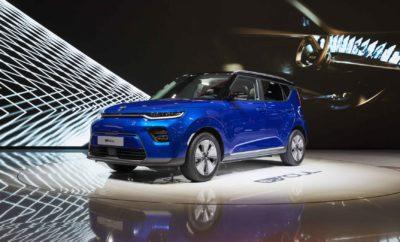 Η Kia Ελλάς ΑΒΕΕ συμμετέχει στην Έκθεση Αυτοκίνηση 2019 παρουσιάζοντας την πιο φρέσκια και ανανεωμένη γκάμα με τα μοντέλα της να κατέχουν δεσπόζουσα θέση στο περίπτερό της το οποίο είναι μεγαλύτερο από άλλες χρονιές(480 τ.μ.) και θα φιλοξενήσει συνολικά 12 μοντέλα της μάρκας. Πιο συγκεκριμένα η Kia θα παρουσιάσει για Πρώτη φορά στο ελληνικό κοινό το Kia XCeed το οποίο αποτελεί μια σπορ εναλλακτική πρόταση σε σχέση με τα μεγαλύτερα παραδοσιακά SUV και συνδυάζει την πρακτικότητα ενός SUV και τα δυναμικά χαρακτηριστικά ενός hatchback. Αποτελεί ένα από τα πιο high teck μοντέλα της κατηγορίας κι ενθουσιάζει με τα δυναμικά του χαρακτηριστικά, εξασφαλίζοντας μια πιο άνετη, απολαυστική και ασφαλή οδήγηση χάρη στα νέα υδραυλικά στοπ των αμορτισέρ. Διατίθεται αποκλειστικά με υπερτροφοδοτούμενους κινητήρες, ενώ θα ακολουθήσει μια plug-in υβριδική έκδοση αργότερα. Το νέο ηλεκτρικό crossover e-Niro εμπνέει με την ελκυστική σχεδίασή του και είναι στιλάτο, ευέλικτο και μοντέρνο ενώ συνδυάζει τέλεια την οδηγική απόλαυση με την εντυπωσιακή αισθητική και την πρακτικότητα. Σχεδιασμένο στα κέντρα σχεδιασμού της Kia στην California των ΗΠΑ και Namyang της Κορέας, το Niro EV ενσωματώνει την πρακτικότητα και την θελκτικότητα ενός compact SUV, σε ένα κομψό, αεροδυναμικό αμάξωμα με σμιλεμένες επιφάνειες. Το Niro EV εφοδιάζεται με τη νέα γενιά ηλεκτρικών κινητήρων της Kia, χρησιμοποιώντας τη νέα τεχνολογία παραγωγής εξελιγμένη ειδικά για τα ηλεκτρικά Kia. Εξοπλισμένο με ένα πακέτο μπαταριών πολυμερούς λιθίου υψηλής χωρητικότητας 64 kWh, το νέο Niro EV θα έχει αυτονομία 452 χιλιόμετρα με μια μόνο φόρτιση και μηδενικές εκπομπές ρύπων. Το νέο Kia e-Soul ξεχωρίζει από την ελκυστική εξωτερική και εσωτερική του σχεδίαση και είναι ισχυρότερο, ταχύτερο και πιο αποδοτικό με μπαταρίες κατά 25% μεγαλύτερες σε ενεργειακή πυκνότητα, προσφέροντας έως 452 χιλιόμετρα ηλεκτροκίνησης με μία μόνο φόρτιση, θέτοντας νέα δεδομένα στην κατηγορία των ξεχωριστών urban crossover. Θα πωλείται αποκλειστικά σε δύο εκδόσ