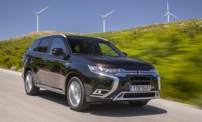 Το Mitsubishi Outlander Plug-in Hybrid Electric Vehicle (PHEV), το δημοφιλέστερο plug-in υβριδικό SUV παγκοσμίως που ανακηρύχθηκε 'Green SUV of the Year 2019' από την εφημερίδα Green Car Journal στην Έκθεση Αυτοκινήτου του Λος Άντζελες, είναι τώρα διαθέσιμο με μηδενικό φόρο για τους εταιρικούς χρήστες στην Ελλάδα. Σε συνέχεια των μεταρρυθμίσεων που αφορούν την φορολόγηση των εταιρικών χρηστών, το νέο Outlander PHEV, με εκπομπές CO2 μόλις 46g/km, είναι το μοναδικό τετρακίνητο SUV μεγάλης κατηγορίας της ελληνικής αγοράς που πληροί τις προϋποθέσεις μηδενικού φόρου για τους εταιρικούς χρήστες βάσει των παρακάτω στοιχείων που απορρέουν από το σχετικό ΦΕΚ: • Μηδενικός εταιρικός φόρος για οχήματα των οποίων οι εκπομπές καυσαερίων είναι 0 εώς 50 g CO2/Km και με Λιανική Τιμή Προ Φόρων (ΛΤΠΦ) έως σαράντα χιλιάδες (40.000) ευρώ. • Tα μισθώματα για τα επιβατικά ως 50 γρ/χλμ, με ΛΤΠΦ ως € 40.000, προσαυξάνονται ως έξοδα για το μισθωτή κατά +30% (=υπεραπόσβεση). • Τα πάγια αυτοκίνητα με εκπομπές καυσαερίων 1 εώς 50 γρ/χλμ αποσβένονται ανεξαρτήτως αξίας ΛΤΠΦ με 20% ετησίως. Το νέο Outlander PHEV είναι το SUV που προσφέρει την κορυφαία Tετρακίνηση της κατηγορίας και το εξελιγμένο Υβριδικό σύνολο Twin Motor της Mitsubishi το οποίο μπορεί να προσφέρει ηλεκτρική αυτονομία έως 57χλμ. Η Mitsubishi Motors Corporation (MMC) ανακοίνωσε μέσα στο 2019 ότι το Mitsubishi Outlander PHEV, το παγκοσμίως πρώτο plug-in υβριδικό SUV, πέτυχε ένα σημαντικό ορόσημο με 200.000 πωλήσεις σε όλο τον κόσμο από το 2013 που λανσαρίστηκε. Το Outlander PHEV αποτελεί την τεχνολογική ναυαρχίδα της MMC και η επιτυχία του δείχνει την κλίμακα ζήτησης των καταναλωτών για ηλεκτρικά οχήματα, καθώς στη βιομηχανία αυτοκινήτου συντελείται μία βαθιά τεχνολογική αλλαγή. Από τότε που έκανε το ντεμπούτο του στην Ιαπωνία, το Outlander PHEV έχει κυκλοφορήσει σε περισσότερες από 50 χώρες ανά τον κόσμο. Αναδείχτηκε παγκόσμιο best-seller στην κατηγορία plug-in υβριδικών μοντέλων στα τέλη Δεκεμβρίου 2018. Επίσης είναι Ευρωπαϊκό bes