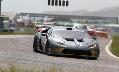 Τριψήφιος αριθμός οδηγών θα δώσει το «παρών» στο φινάλε του Πανελληνίου Πρωταθλήματος Ταχύτητας και του επάθλου ατομικής χρονομέτρησης Hellenic Time Trial Challenge , το Σαββατοκύριακο 7-8 Δεκεμβρίου. Στο Αυτοκινητοδρόμιο Μεγάρων θα βρεθούν ξανά όλα τα αγωνιστικά supercars της Formula Saloon, για πρώτη φορά μετά από τον 1ο αγώνα του Πρωταθλήματος, τον περασμένο Μάρτιο. Δίπλα στον «Samino», που πρωταγωνιστεί με μια Lamborghini Huracan Super Trofeo σε κάθε αγώνα του θεσμού, θα βρεθεί και πάλι ο Π. Σολδάτος με τη δική του, πρόσφατα αναβαθμισμένη Huracan. Μαζί τους και ο Π. Ηλιόπουλος, με την Ferrari 458 Challenge που κοσμεί τις ελληνικές Αναβάσεις, αλλά και ο «Korny» με μια Porsche 911 GT3 Cup, θα φέρουν την ατμόσφαιρα ενός αγώνα GT στα Μέγαρα. Η πολυπληθέστερη κατηγορία αυτού του Σαββατοκύριακου πάντως θα είναι η Ομάδα Ν, με 19 συμμετοχές. Ο έντονος και υγιής συναγωνισμός των προηγούμενων αγώνων στην κλάση Ν2 προσέλκυσε κι άλλους οδηγούς τέτοιων Peugeot 106 και Citroen Saxo, από Ράλλυ και Αναβάσεις. Έτσι, η Ν2 συγκεντρώνει αυτή τη φορά 16 συμμετοχές (!), παρότι ο Ε. Καίσαρ που έχει κατακτήσει ήδη το αντίστοιχο Κύπελλο, δεν συμμετέχει. Σε αυτό τον αγώνα θα κριθεί όμως το Πρωτάθλημα της Ομάδας Ν, μεταξύ των Κ. Κάκου και Β. Κοκλάνη, με Mitsubishi Lancer Evo IX, οι οποίοι ισοβαθμούν. Τα 11 αυτοκίνητα που απαρτίζουν την Ομάδα Α χωρίζονται σε τρία γκρουπ με ξεχωριστό ενδιαφέρον, πέρα από τις μάχες που θα πραγματοποιηθούν μεταξύ όλων εντός πίστας. Στην κλάση Α6, δίπλα στους Χ. Μπουροθανασόπουλο (Honda Civic SiR) και Γ. Παπαδόπουλο (Peugeot 206 XS) θα βρεθούν άλλοι 3 οδηγοί με Peugeot 106. Αντίστοιχα, στην Α7 ο πρωτοπόρος της βαθμολογίας Λ. Λεοντόπουλος (Honda Civic Type R) θα έχει να αντιμετωπίσει τον Β. Σταγιά (Citroen Saxo VTS), αλλά και τους Μ. Φωτεινό (Peugeot 106 S16) και Ε. Αλεξανδρή (Peugeot 206 RC). Σε αυτό τον αγώνα, αντίπαλος του Π. Ευθυμίου με το Ford Escort RS Cosworth της κλάσης Α8 θα είναι ο Γ. Κωνσταντακόπουλος με Mitsubishi Lancer Evo VIII. Ακόμη 11 αγωνιστικ