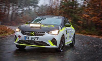 Η Opel εξελίσσει το πρώτο ηλεκτρικό αυτοκίνητο ράλι με μπαταρία Δοκιμασίες αντοχής με δύο πειραματικά οχήματα στο Κέντρο Δοκιμών του Dudenhofen Το Corsa-e Rally διαθέτει τρία προγράμματα οδήγησης (drive modes) για αγώνες Υποβολές συμμετοχών στο ADAC Opel e-Rally Cup 2020/2021 από 15 Δεκεμβρίου, 2019 Rüsselsheim. Το ολοκληρωμένο πρόγραμμα εξέλιξης του Opel Corsa-e Rally για το ADAC Opel e-Rally Cup προχωρά με ταχύτατους ρυθμούς. Δύο ηλεκτρικά Corsa περνούν τώρα από δοκιμασίες αντοχής στο Κέντρο Δοκιμών του Dudenhofen. «Έχουμε δύο στόχους,» δήλωσε ο Αγωνιστικός Διευθυντής της Opel, Jörg Schrott. «Και τα δύο αυτοκίνητα καλύπτουν όσο το δυνατόν περισσότερα χιλιόμετρα ώστε να συγκεντρωθεί ο μέγιστος αριθμός δεδομένων σε ένα πρώιμο στάδιο. Δεν υπάρχει κάποια προηγούμενη εμπειρία με ηλεκτρικό αυτοκίνητο ράλι στην οποία να ανατρέξουμε, γι' αυτό σε πρώτη φάση έπρεπε να βασιστούμε σε υπολογισμούς και προσομοιώσεις που σταδιακά αντικαθίστανται από πραγματικά δεδομένα. Άλλα θέματα που μας απασχολούν είναι η διαχείριση φορτίων και θερμοκρασίας της μπαταρίας σε συνθήκες ράλι, καθώς και η προσαρμογή του λογισμικού. Βρίσκομαι στην ευχάριστη θέση να σας ανακοινώσω ότι το πρόγραμμά μας προχωρά ομαλά.» Οι μηχανικοί της Opel Motorsport θα ασχοληθούν με την ταχύτητα του ηλεκτρικού αυτοκινήτου ράλι 100kW (136hp) στη δεύτερη φάση εξέλιξης. «Με ένα αυτοκίνητο Ενιαίου, είναι σημαντικό οι επιδόσεις να παραμένουν σταθερές και διαθέσιμες υπό όλες τις συνθήκες. Ο εξοπλισμός πρέπει να παρέχει ίσες ευκαιρίες σε όλους τους συμμετέχοντες,» δήλωσε ο Jörg Schrott. «Επίσης αποφασίσαμε ότι το Corsa-e Rally πρέπει να είναι εφάμιλλο ή ανώτερο του προκατόχου του με βενζινοκινητήρα, του Opel ADAM Cup. Βρισκόμαστε στο σωστό δρόμο. Μπορεί η απόδοση ισχύος να είναι σχεδόν ίδια, ωστόσο η ροπή των 260Nm είναι πολύ υψηλότερη από του ADAM Cup. Το κέντρο βάρους βρίσκεται χαμηλά χάρη στην τοποθέτηση της μπαταρίας στο δάπεδο του αυτοκινήτου, ενώ η κατανομή βάρους είναι επίσης πολύ καλή, κάτι εξαιρετικά σημαντικό για