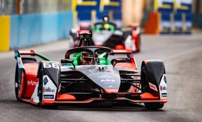 • Αυτό το Σαββατοκύριακο διεξάγεται ο πρώτος αγώνα του πρωταθλήματος Formula E για το 2020, στο Σαντιάγο της Χιλής • Lucas di Grassi και Daniel Abt, το δίδυμο πιλότων της Audi, δηλώνουν πανέτοιμοι για τη νίκη και θα διεκδικήσουν θέσεις στο βάθρο • Ποιοι είναι όμως οι κανονισμοί της Formula E, μιας σχετικά νέας μορφής Motorsport που είναι τόσο όμοια όσο και διαφορετική από την παραδοσιακή Formula 1; • Συνοπτική παρουσίαση των κανονισμών που θα βοηθήσει κάθε φίλο του μηχανοκίνητου αθλητισμού να απολαύσει τη στρατηγική και το θέαμα των αγώνων της Formula E Ο πρώτος αγώνας για το 2020 στο Παγκόσμιο Πρωτάθλημα Formula E παίρνει εκκίνηση στο Σαντιάγο της Χιλής, το Σάββατο 18 Ιανουαρίου, στις 21.00 ώρα Ελλάδας. Έχει προηγηθεί ο διπλός, πρώτος αγώνας της σεζόν, στη Σαουδική Αραβία, στα τέλη Νοεμβρίου του περασμένου έτους. Η Audi είναι η μοναδική ομάδα που έχει συμμετάσχει σε όλους, και τους 60 προηγούμενους αγώνες της Formula E. Στη Χιλή, η Audi Sport ABT Schaeffler, όπως είναι το πλήρες όνομα της ομάδας, κατεβαίνει πανέτοιμη και με ιδιαίτερα φιλόδοξους στόχους. Ο Lucas di Grassi (τρέχει με το Νο. 11), μετά τη 2η θέση στη Σαουδική Αραβία δηλώνει αισιόδοξος για ένα ακόμα καλό αποτέλεσμα ενώ και ο άλλος πιλότος της ομάδας, ο Daniel Abt (Νο. 66) έχει υψηλές βλέψεις για την εφετινή σεζόν. Όμως, πώς διεξάγεται το πρωτάθλημα Formula E; Ποιοι είναι οι ιδιαίτεροι κανονισμοί του, σε τι διαφέρει από τη γνωστή σε όλους Formula 1 και πώς μπορεί να το παρακολουθήσει ο απλός φίλαθλος ή και ο λάτρης του Motorsport, κατανοώντας το κάθε στάδιο του αγωνιστικού τριήμερου; Στις γραμμές που ακολουθούν αναλύονται η φιλοσοφία, οι κανονισμοί και οι προδιαγραφές που διέπουν το πρωτάθλημα Formula E. Είναι γεγονός ότι όταν η Formula E αποκάλυψε το αγωνιστικό της μονοθέσιο στη Φρανκφούρτη το φθινόπωρο του 2013, οι ιδρυτές της, ο Alejandro Agag και ο Πρόεδρος της FIA Jean Todt, διακατέχονταν από μεγάλο σκεπτικισμό: είναι σε θέση ένας θεσμός που διεξάγεται στο κέντρο των πόλεων ακολουθώντας εντελώς νέα 