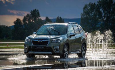 """• Το Subaru Forester e-BOXER κερδίζει την κορυφαία διάκριση στην κατηγορία Small Off-Road/MPV από τον Euro NCAP*1 • Πρόκειται για την 2η διάκριση """"Best in Class"""" της Subaru από τον Euro NCAP • Το νέο Forester e-BOXER πέτυχε την υψηλότερη μέχρι τώρα βαθμολογία σε αυτή την κατηγορία*2 στη δοκιμή προστασίας παιδιών. Το ολοκαίνουργιο Subaru Forester e-BOXER (ευρωπαϊκών προδιαγραφών) κέρδισε την κορυφαία διάκριση """"Best in Class του 2019"""" στην κατηγορία των μικρών off-road / MPV, ένα βραβείο που δίνεται στο μοντέλο με τις καλύτερες επιδόσεις σε δοκιμές ασφαλείας κάθε κατηγορίας από τον Ευρωπαϊκό Οργανισμό Euro NCAP. Αυτό σηματοδοτεί τη δεύτερη φορά που η Subaru λαμβάνει αυτή την διάκριση, μετά από τα SUBARU XV και Impreza, που είχαν βραβευτεί με """"Best in Class 2017"""" στην κατηγορία Small Family Car. Το ολοκαίνουργιο Subaru Forester e-BOXER έλαβε τα μέγιστα πέντε αστέρια με εξαιρετικές βαθμολογίες και στις τέσσερις περιοχές αξιολόγησης (Ενήλικος Επιβάτης, Παιδί Επιβάτης, Ευάλωτοι Χρήστες Δρόμου, Υποβοήθηση Ασφάλειας), επιτυγχάνοντας την υψηλότερη βαθμολογία στην κατηγορία του για «Το πρωτόκολλο αξιολόγησης Euro NCAP 2019». Σε παγκόσμιo επίπεδο, αυτή η πέμπτη γενιά Forester έχει επαινεθεί με σημαντικά βραβεία: στην Ιαπωνία, το Forester κέρδισε το πρώτο βραβείο JNCAP*3 στο πρόγραμμα αξιολόγησης επιδόσεων νέου μοντέλου, στο πρόγραμμα αξιολόγησης επιδόσεων ασφάλειας σύγκρουσης για το 2018 (JNCAP)*4 και την υψηλότερη βαθμολογία του ASV +++ (Advanced Safety Vehicle Triple Plus) το 2019. Το βραβείο Grand Prix 2018-2019 στην αξιολόγηση επιδόσεων ασφάλειας σύγκρουσης JNCAP σηματοδοτεί τη δεύτερη νίκη για τη Subaru μετά το βραβείο Grand Prix για Impreza και SUBARU XV στην αξιολόγηση 2016-2017."""