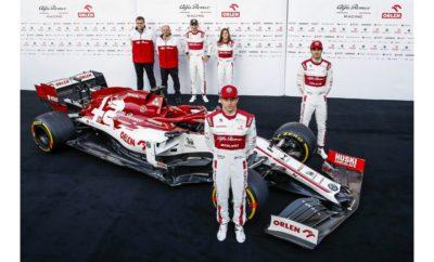 """Η ομάδα της Formula 1, Alfa Romeo Racing ORLEN, αποκάλυψε την C39, το μονοθέσιο με το οποίο θα συμμετέχει στο Παγκόσμιο Πρωτάθλημα του 2020. Η αποκάλυψη έγινε πριν το ξεκίνημα των χειμερινών δοκιμών στην πίστα της Βαρκελώνης. H Alfa Romeo Racing ORLEN είναι η τελευταία ομάδα που αποκαλύπτει το μονοθέσιο της για τη φετινή σαιζόν. Οι οδηγοί Kimi Räikkönen και Antonio Giovinazzi, μαζί με τον αναπληρωματικό οδηγό Robert Kubica και την οδηγό εξέλιξης Tatiana Calderon, τράβηξαν το κάλυμμα της C39 που βρισκόταν στο χώρο των pit του Circuit de Barcelona-Catalunya. Τα χρώματα του μονοθεσίου ακολουθούν τις κλασσικές γραμμές της Alfa Romeo και παράλληλα ενσωματώνουν νέα γραφικά στοιχεία που δημιουργήθηκαν από το Centro Stile. Συγκεκριμένα το μοτίβο """"Speed-Pixel"""", αποτελεί μια γραφική αναπαράσταση του χρόνου και της ταχύτητας, η οποία ενώνει την ιστορία της μάρκας που γιορτάζει φέτος τα 110 γενέθλια της με την προηγμένη τεχνολογία που φέρει ένα μονοθέσιο της Formula 1. Σε σχέση με τα προηγούμενα χρόνια οι σχεδιαστές ενσωμάτωσαν ένα πιο απλό Quadrifoglio (τετράφυλλο τριφύλλι), καθώς και μεγαλύτερη γραμματοσειρά για το όνομα Alfa Romeo Σχεδιασμένη υπό την ηγεσία του Τεχνικού Διευθυντή, κ. Jan Monchaux, η C39 έχει λίγες ομοιότητες με το περσινό μοντέλο. Αποτελεί μια νέα προσέγγιση που στοχεύει να βοηθήσει την ομάδα να συνεχίσει τα σημαντικά βήματα προόδου που πέτυχε τις δύο προηγούμενες σαιζόν. Η εστίαση πλέον βρίσκεται στις δύο κρίσιμες εβδομάδες δοκιμών στη Βαρκελώνη. Με μόλις έξι ημέρες στην πίστα πριν τον εναρκτήριο αγώνα της σαιζόν στη Μελβούρνη, κάθε λεπτό μετρά στις δοκιμές στην πίστα της Καταλονίας. Προς το παρόν το κοινό μπορεί να απολαύσει τη ξεχωριστή εμφάνιση της Alfa Romeo Racing ORLEN C39 και η ομάδα ελπίζει πως έχεις ετοιμάσει ευχάριστες εκπλήξεις για την απόδοση του μονοθεσίου. Frédéric Vasseur, Επικεφαλής της Alfa Romeo Racing ORLEN και CEO της Sauber Motorsport AG: «Η C39 είναι το αποτέλεσμα σκληρής δουλειάς όλων των μελών της ομάδας. Ελπίζουμε πως θα μας βοηθήσε"""