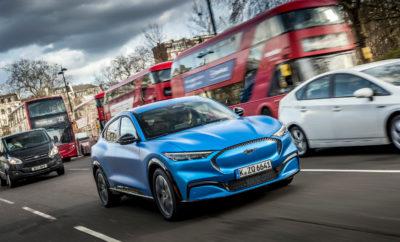 """• Η πλήρως ηλεκτρική Mustang Mach-E σκοπεύει να ξυπνήσει την επιθυμία της Ευρώπης για τα ηλεκτρικά οχήματα έχοντας ως στόχο να προσφέρει αυτονομία έως και 600 km, ομαλή συνδεσιμότητα και over-the-air ενημερώσεις λογισμικού • Η νέα Mustang Mach-E πραγματοποιεί το ευρωπαϊκό, δημόσιο ντεμπούτο της στο Λονδίνο, στο μοναδικό roadshow της Ford με την ονομασία 'Go Electric' • Η Ford σκοπεύει να λανσάρει 18 εξηλεκτρισμένα οχήματα στην ευρωπαϊκή αγορά μέχρι τα τέλη του 2021, εκ των οποίων τα 14 τη φετινή χρονιά. Ο εξηλεκτρισμός των best-seller μοντέλων της Ford μπορεί να εξοικονομήσει για τους ευρωπαίους πελάτες πάνω από 30 εκατομμύρια ευρώ ετησίως σε δαπάνες καυσίμου • Η Ford επενδύει για την εγκατάσταση 1.000 σημείων φόρτισης σε εγκαταστάσεις της, στην IONITY καθώς και στο Δίκτυο Φόρτισης FordPass ούτως ώστε να υποστηρίξει την εξάπλωση της ηλεκτροκίνησης καλώντας όλους για την ταχύτερη επέκταση των δημόσιων υποδομών και δικτύων φόρτισης Η Ford αποκάλυψε σήμερα για πρώτη φορά τη νέα Mustang Mach-E στο ευρωπαϊκό κοινό, με την ευκαιρία του λανσαρίσματος της εμπειρίας """"Go Electric"""" που στόχο έχει να συνεισφέρει στην ομαλή μετάβαση των αγοραστών της γηραιάς ηπείρου σε ένα εξηλεκτρισμένο μέλλον. Με προβλεπόμενη αμιγώς ηλεκτρική αυτονομία έως 600 km στο πλαίσιο του πρωτοκόλλου WLTP1, η πλήρως ηλεκτρική Mustang Mach-E στοχεύει να βάλει τέλος το «άγχος αυτονομίας» αποτελώντας για την Ford την αιχμή του δόρατος σε μία ραγδαία αναπτυσσόμενη γκάμα εξηλεκτρισμένων οχημάτων. Οι πελάτες της Ford στην Ευρώπη θα μπορούν έως τα τέλη του 2021 να επιλέξουν ένα από τα 18 εξηλεκτρισμένα οχήματα της, με τα 14 από αυτά να διατίθενται κατά τη διάρκεια της φετινής χρονιάς. Η εταιρεία υπόσχεται να προσφέρει εξηλεκτρισμένες εκδόσεις σε όλα τα μελλοντικά επιβατικά μοντέλα της. Σε όλο τον κόσμο, η Ford επενδύει πάνω από 11 δις δολάρια για τον εξηλεκτρισμό των οχημάτων της. Τα εξηλεκτρισμένα οχήματα της Ford βασίζονται σε μία γκάμα τεχνολογιών που περιλαμβάνει ήπια υβριδικά (48-volt), πλήρως υβριδικά, p"""