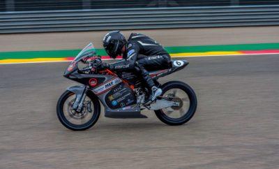 """Ο διαγωνισμός MotoStudent πραγματοποιείται κάθε δύο χρόνια στην πίστα MotorLand Aragon της Ισπανίας και συμμετέχουν πανεπιστήμια από όλον τον κόσμο με στόχο να σχεδιάσουν μια αγωνιστική μοτοσυκλέτα τύπου Moto3, ικανοποιώντας τις τεχνολογικές απαιτήσεις που ορίζονται από τον διαγωνισμό. Το όχημα κάθε ομάδας υπόκειται σε αυστηρούς ελέγχους επαγγελματικού επιπέδου κι έπειτα συμμετέχουν σε διάφορα αγωνίσματα (όπως acceleration, gymkhana, braking test), συλλέγοντας βαθμούς και διεκδικώντας μία υψηλή θέση στη γενική κατάταξη. Η ομάδα μας το 2016 έκανε το ντεμπούτο της στον διαγωνισμό με το πρώτο της μοντέλο, που ονομάζεται """"Tyφ-One"""", όπου αγωνίστηκε στην πίστα του MotoStudent IV στην κατηγορία βενζινοκίνητων. Τα αποτελέσματα ήταν θετικά, καθώς κατακτήσαμε τη 2η θέση στο Business Plan και την 9η στη γενική κατάταξη, ανάμεσα σε 36 συμμετοχές. Στη δεύτερη συμμετοχή μας στον διαγωνισμό παρουσιαστήκαμε με μια πιο ευέλικτη, ταχύτερη κι ελαφρύτερη μηχανή, την Χίμαιρα. Στις 3-7 Οκτωβρίου του 2018 η Χίμαιρα αγωνίστηκε στο MotoStudent V κατακτώντας στην τελική κατάταξη, μεταξύ 45 συμμετοχών, την 7η θέση! Επιπλέον, η ομάδα σημείωσε αρκετές ακόμη επιτυχίες αφού κατέκτησε δύο από τα τρία έπαθλα του θεωρητικού τμήματος του διαγωνισμού MS1: """"Best Design"""" και """"Best Technological Innovation"""". Παράλληλα, διακρίθηκε και στο αγωνιστικό κομμάτι κατακτώντας την 1η θέση στο acceleration, την 1η θέση στο mechanical test, την 5η θέση στο brake test και πέτυχε την 5η καλύτερη τελική ταχύτητα. Έκτοτε συστάθηκε η νέα γενιά της ομάδας με σκοπό να εξελίξει ένα ακόμη πιο ανταγωνιστικό πρωτότυπο που θα λάβει μέρος στο διαγωνισμό MotoStudent VI, το 2020."""