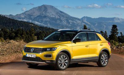 • Η Volkswagen, με πωλήσεις 1.764.000 αυτοκινήτων το 2019 (αύξηση 0,9%), ήταν η μάρκα που κυριάρχησε στην ευρωπαϊκή αγορά αυτοκινήτου τη χρονιά που πέρασε • Το Volkswagen Golf ήταν – για άλλη μια χρονιά – το best-seller της Ευρώπης • Τρία μοντέλα της γερμανικής μάρκας φιγουράρουν στο Top-5 των πωλήσεων της ευρωπαϊκής αγοράς για το 2019 • Το Volkswagen Tiguan αναδείχθηκε το best-seller των SUV στην Ευρώπη • Άνοδος πωλήσεων της Volkswagen και σε παγκόσμιο επίπεδο, παρότι η αγορά σημείωσε κάμψη • Για μια ακόμα χρονιά αυξήθηκαν οι πωλήσεις της Volkswagen στην Ελλάδα, με τα T-Roc και T-Cross να κυριαρχούν στη δημοφιλή κατηγορία των compact SUV Το 2019 ήταν μία εξαιρετική χρονιά για τη Volkswagen, σε μία παγκόσμια αγορά που χαρακτηρίστηκε από ύφεση, καθώς κατέγραψε πωλήσεις 6,28 εκατομμυρίων αυτοκινήτων, αύξηση περίπου 0,5% σε σχέση με το 2018. Στην Ευρώπη, η Volkswagen συνεχίζει να κατέχει σταθερά τα σκήπτρα. Η γερμανική μάρκα, σε αντίθεση με τον ανταγωνισμό, για μία ακόμη χρονιά είδε τις πωλήσεις της στην ήπειρό μας να αυξάνονται. Έκλεισε το 2019 με ταξινομήσεις περίπου 1.764.000 αυτοκινήτων, που αντιπροσωπεύουν αύξηση 0,9%. Είναι χαρακτηριστικό ότι το 2019, στο Top-5 των πωλήσεων στην Ευρώπη, βρέθηκαν τρία μοντέλα της Volkswagen, τα Golf, Polo και Tiguan. Για μία ακόμα χρονιά το Volkswagen Golf αναδείχθηκε το best-seller της Ευρώπης, με περίπου 460.000 ταξινομήσεις. Αξίζει να σημειωθεί ότι το εντυπωσιακό αυτό νούμερο σημειώθηκε ενώ το μοντέλο είχε ουσιαστικά ολοκληρώσει τον κύκλο του, με την όγδοη γενιά του να αποκαλύπτεται το τελευταίο τρίμηνο του έτους. Το Golf κατέγραψε περίπου 40% περισσότερες πωλήσεις από το δεύτερο μοντέλο της λίστας, το Volkswagen Polo, (περίπου 331.000 ταξινομήσεις). Στην τέταρτη θέση του Top-5 βρέθηκε ένα ακόμη μοντέλο της Volkswagen, το Tiguan, με σχεδόν 300.000 πωλήσεις και τον άτυπο αλλά σημαντικό τίτλο του best-seller των SUV στην Ευρώπη. Εντυπωσιακή η αύξηση πωλήσεων της Volkswagen όσον αφορά και στην ηλεκτροκίνηση. Σε σύγκριση με το 2018